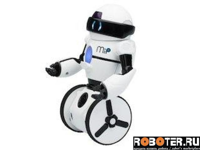 Интерактивный робот MiP