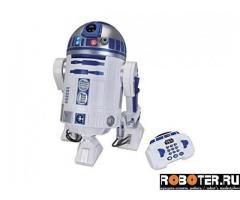 R2D2 - большой робот из Звездных войн с пультом