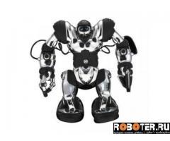 Robosapien робот серебристого цвета